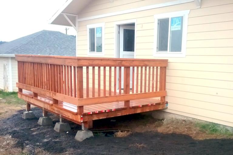 Custom Deck Builders Portland Oregon